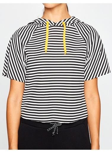 Koton Kapüşonlu Kısa Kollu Sweatshirt Siyah